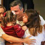 ABC: Familia López-Tintori se muda a casa que podría costar hasta 10 mil euros al mes